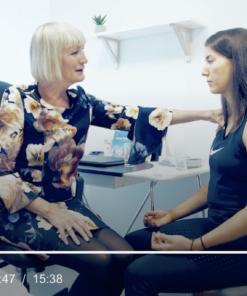 Pusteteknikk, skjermbilde fra video modul 2a med Anette Aarsland (til venstre)
